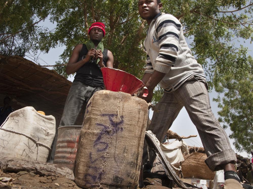 Migrants Crossing The T 233 N 233 R 233 Desert Niger African Lens